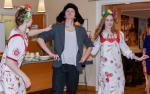 "Первый парень на деревне - танец ""Бабочка"" / Kylän komein poika: Nastja, Severi ja Ilona ""Babotska""-tanssiss"